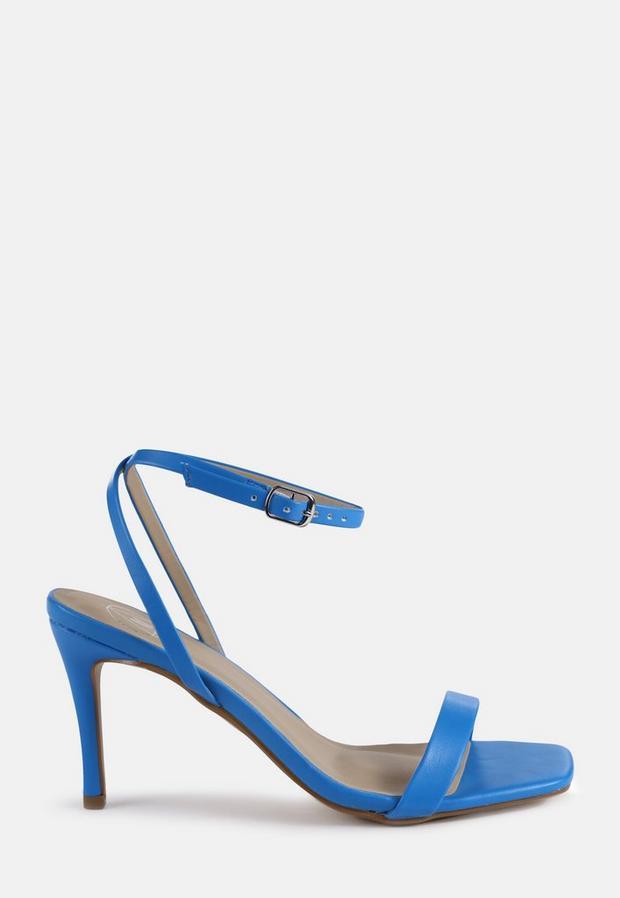 Sandales à talons hauts bleues minimalistes