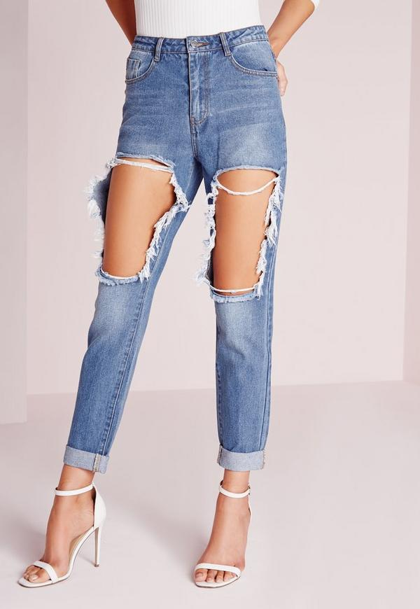 These jeans make an amazing impact by comfortably holding the back of your thighs in order to cause a greater contrast between your legs and butt. As if that weren't butt-boosting enough, the distinct stitching creates a rounding illusion.