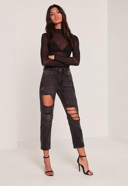 Riot – Gekürzte High-Rise-Mom-Jeans im Used-Look in Schwarz