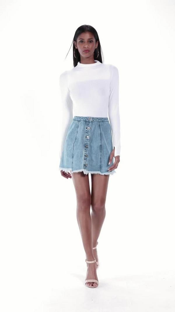 mini jupe en jean bleue bords d chir s missguided. Black Bedroom Furniture Sets. Home Design Ideas