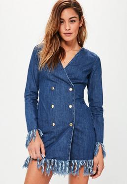 Denim Blazer-Kleid mit Fransensaum und Goldknopfverzierung in blauem Indigo