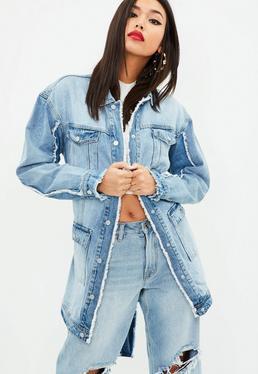 Niebieska długa kurtka jeansowa