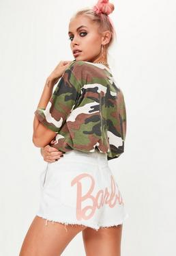 Barbie x Missguided Short vaquero con logo en blanco