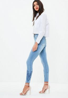 Niebieskie zdobione jeansy Sinner