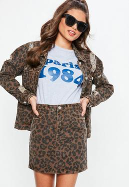 Falda vaquera con estampado de leopardo en marrón