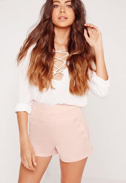 Shorts mit geknöpften Taschen vorn in Pink