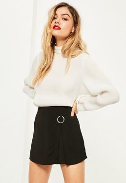 Czarne spódnico-spodenki z ozdobnym kółkiem