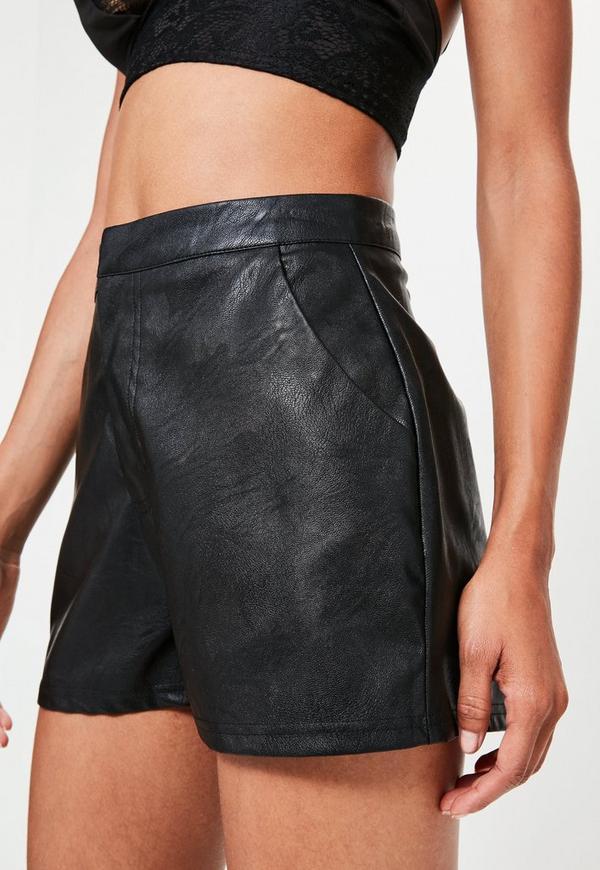 schwarze high waist shorts aus kunstleder missguided. Black Bedroom Furniture Sets. Home Design Ideas