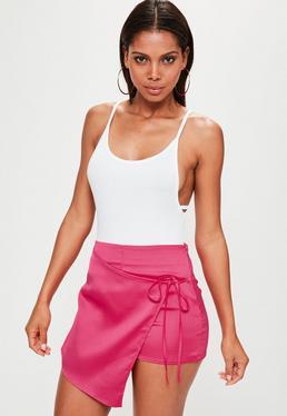 Różowe satynowe spódnico-spodenki z wiązaniem z boku