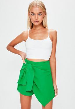 Falda pantalón con anudado frontal en chifón verde