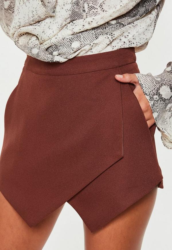 ... Shorts    Jupe-short marron. Précédent Suivant 8a24b3d6670