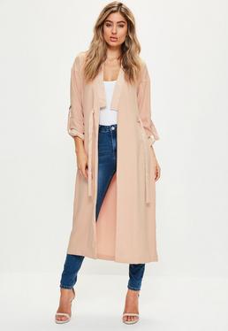 Różowy długi płaszcz z satynowymi wstawkami
