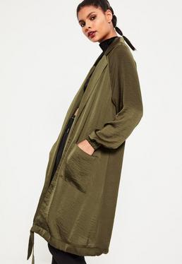 Satynowy długi płaszcz w kolorze khaki