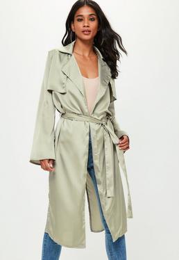 Zielony długi satynowy płaszcz