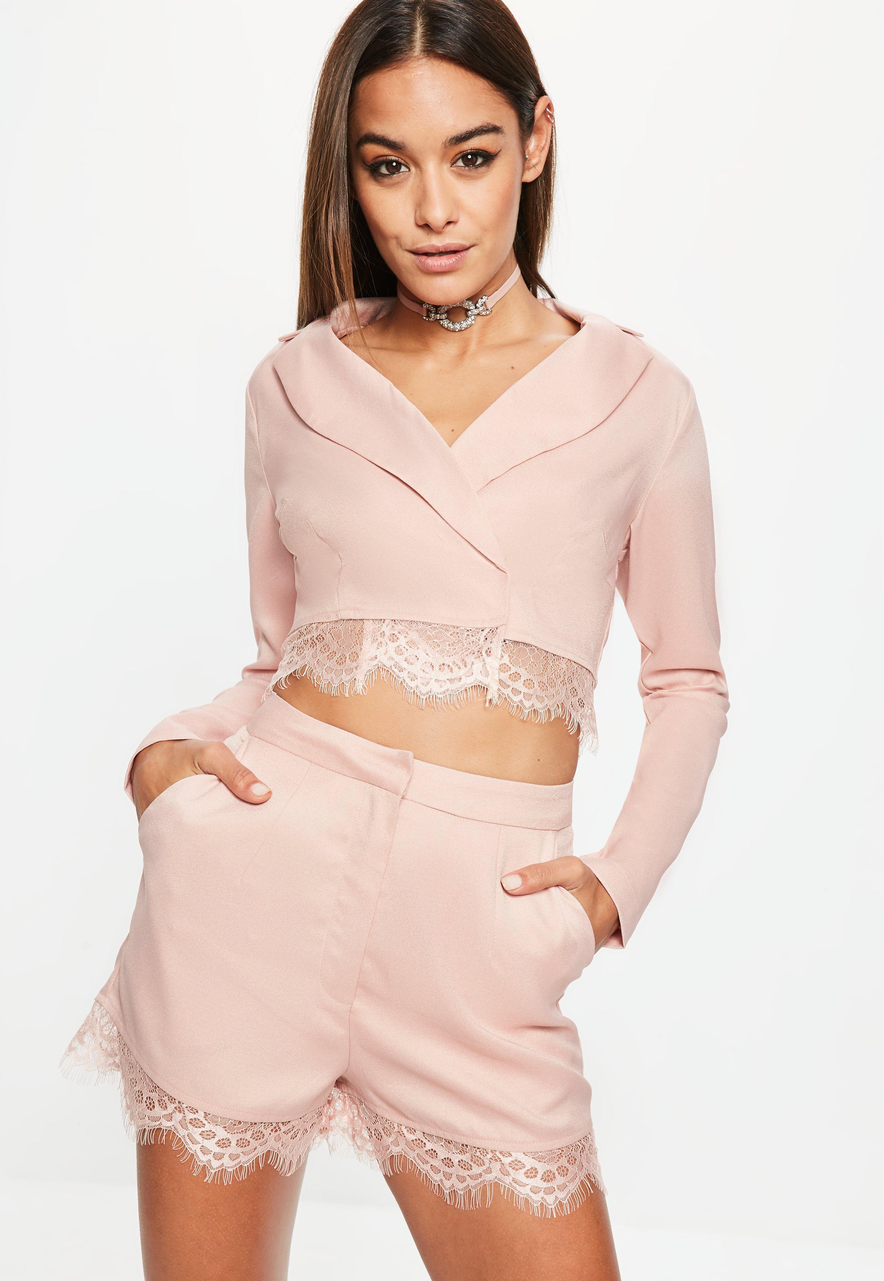 Blazer bolero con puntilla de encaje en rosa | Missguided