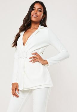 Белый пиджак с поясом