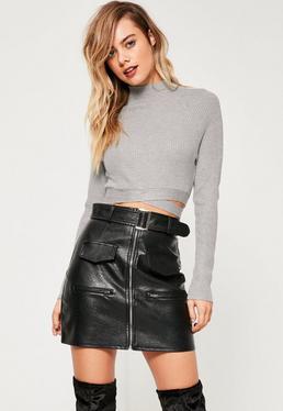 Szary krótki sweter wiązany w talii
