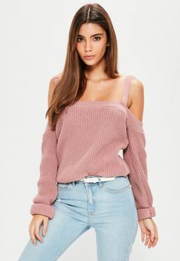 Różowy sweter bardot na ramiączkach
