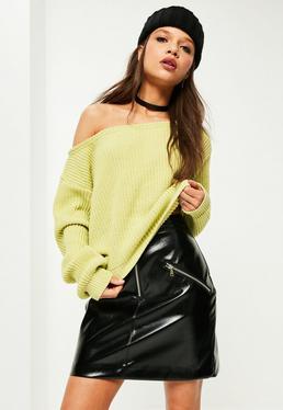 Kurzer Pullover mit freien Schultern in Grün