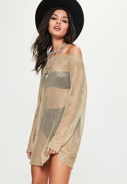Złota metaliczna sukienka swetrowa z odkrytymi ramionami