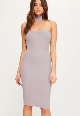 Fioletowa prążkowana sukienka midi bardot z chokerem