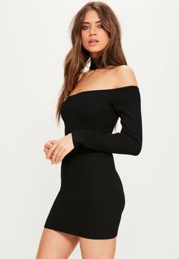 Czarna prążkowana mini sukienka swetrowa bardot z chokerem