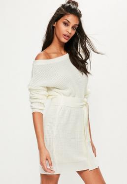 Robe-pull blanc crème ceinturée à manches longues