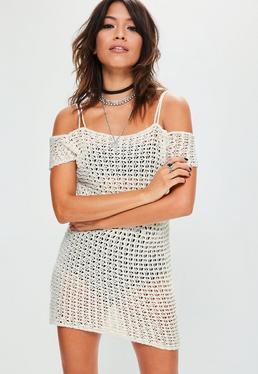 Biała szydełkowa sukienka mini bardot na ramiączkach