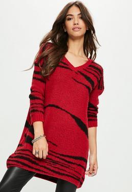 Czerwona swetrowa sukienka w paski