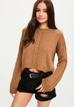 Brązowy krótki sweter z rozcięciem