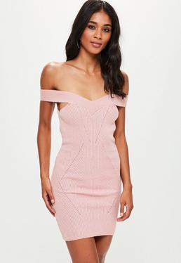 Vestido corto de punto bardot con costuras en rosa