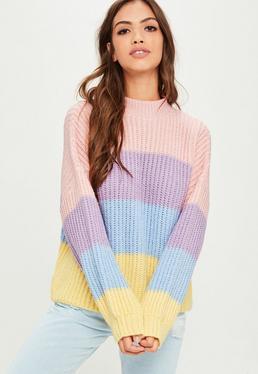 Różowy sweter w kolorowe paski