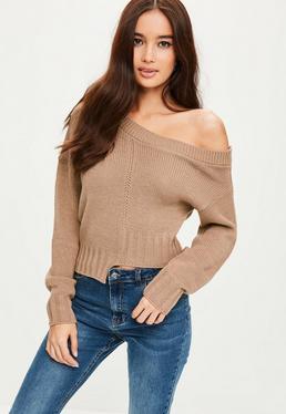 Brązowy krótki sweter z asymetrycznym dołem
