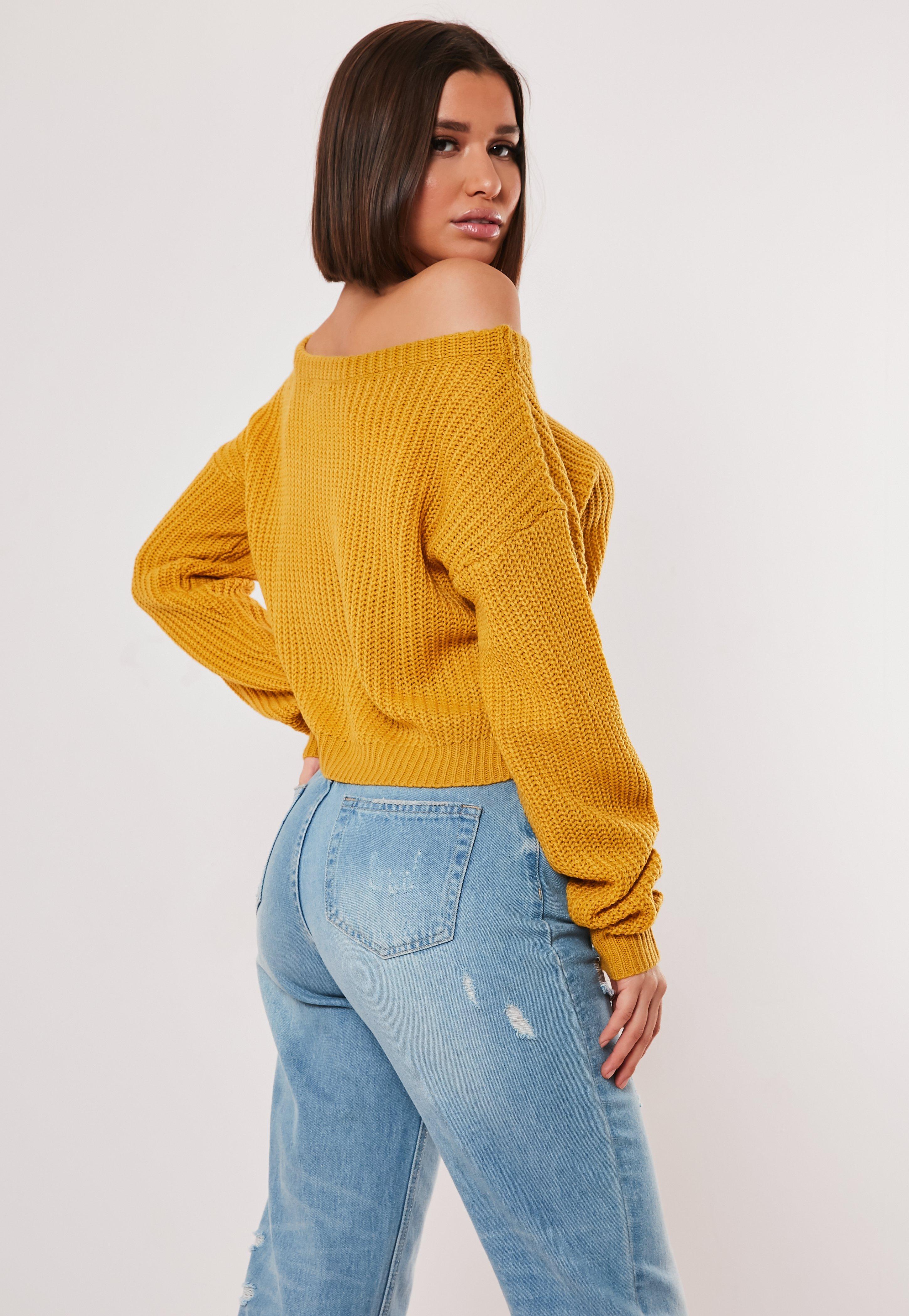 Kurzer Off Shoulder Pullover in Gelb