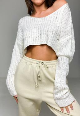 Kremowy krótki sweter z szerokimi r?kawami