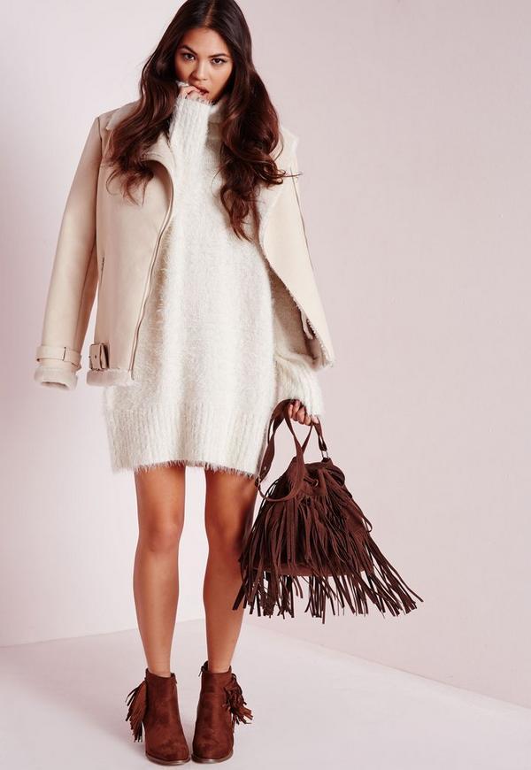 Blanche porte robe en laine
