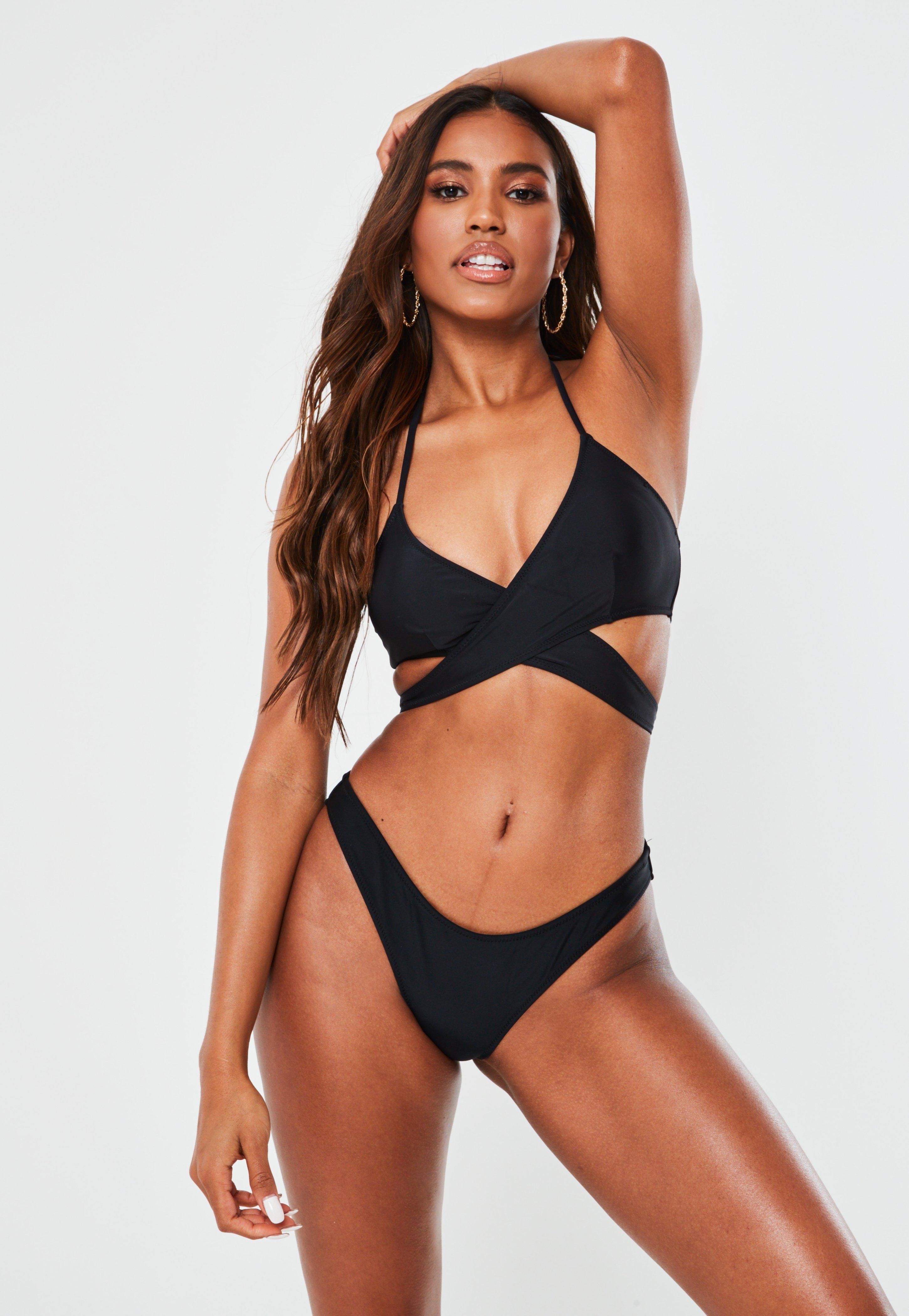 5cacf536121d Top de bikini con diseño delantero cruzado negro - Mix & Match