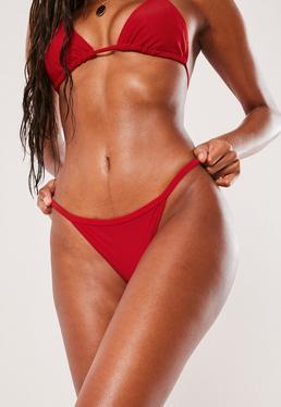 Bas de bikini rouge coupe tanga déparaillé