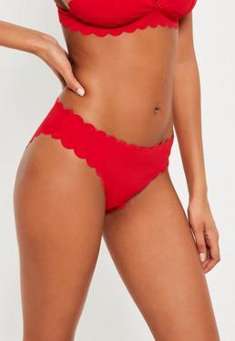Bas de bikini rouge festonné taille basse