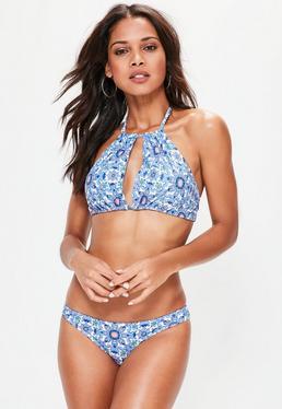 Haut de bikini bleu à imprimé oriental ouvert sur le devant