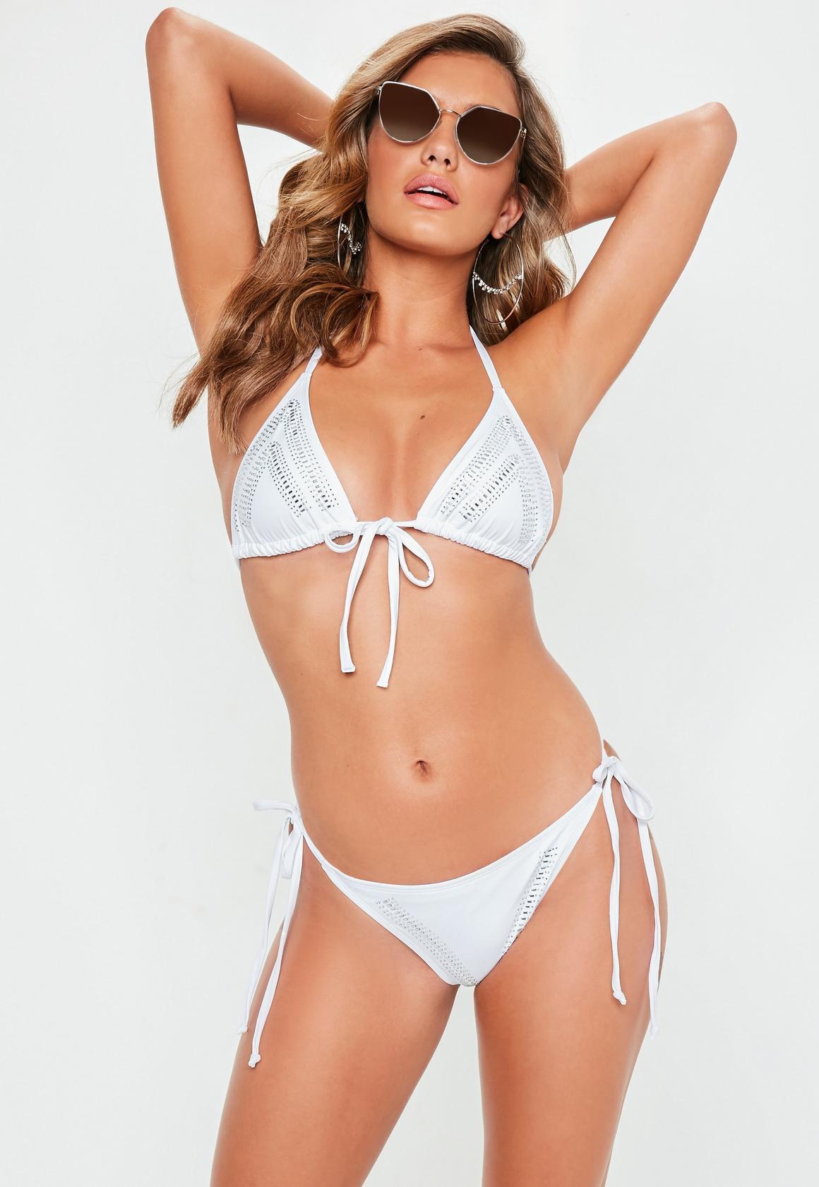 Missguided - Verziertes Triangel Bikini-Set in Weiß - 1