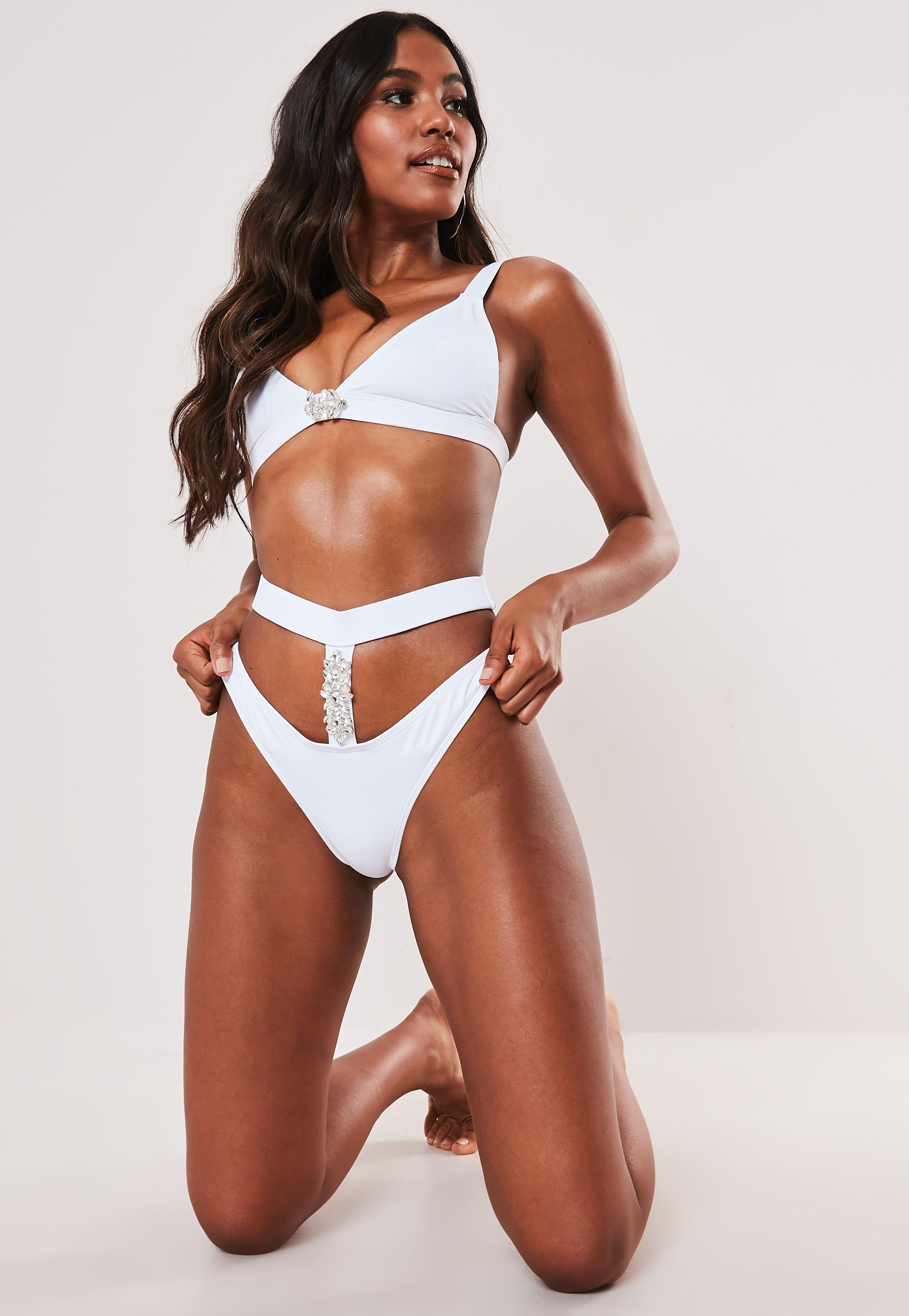 4016b8d81c8 Swimsuits Women's - One & Two Piece Swimsuits - Missguided