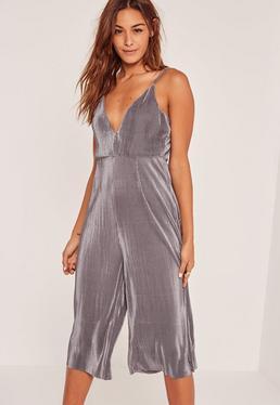 Combinaison jupe-culotte grise plissée et bretelles