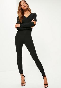 Gerippter Jumpsuit mit Ellbogen-Ausschnitten und V-Ausschnitt in Schwarz