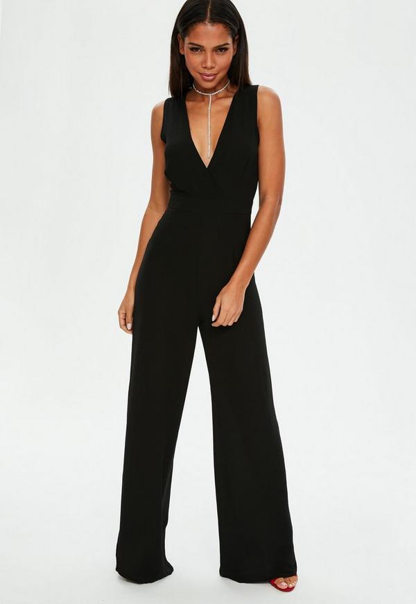 schwarzer wickel jumpsuit mit weitem bein missguided. Black Bedroom Furniture Sets. Home Design Ideas