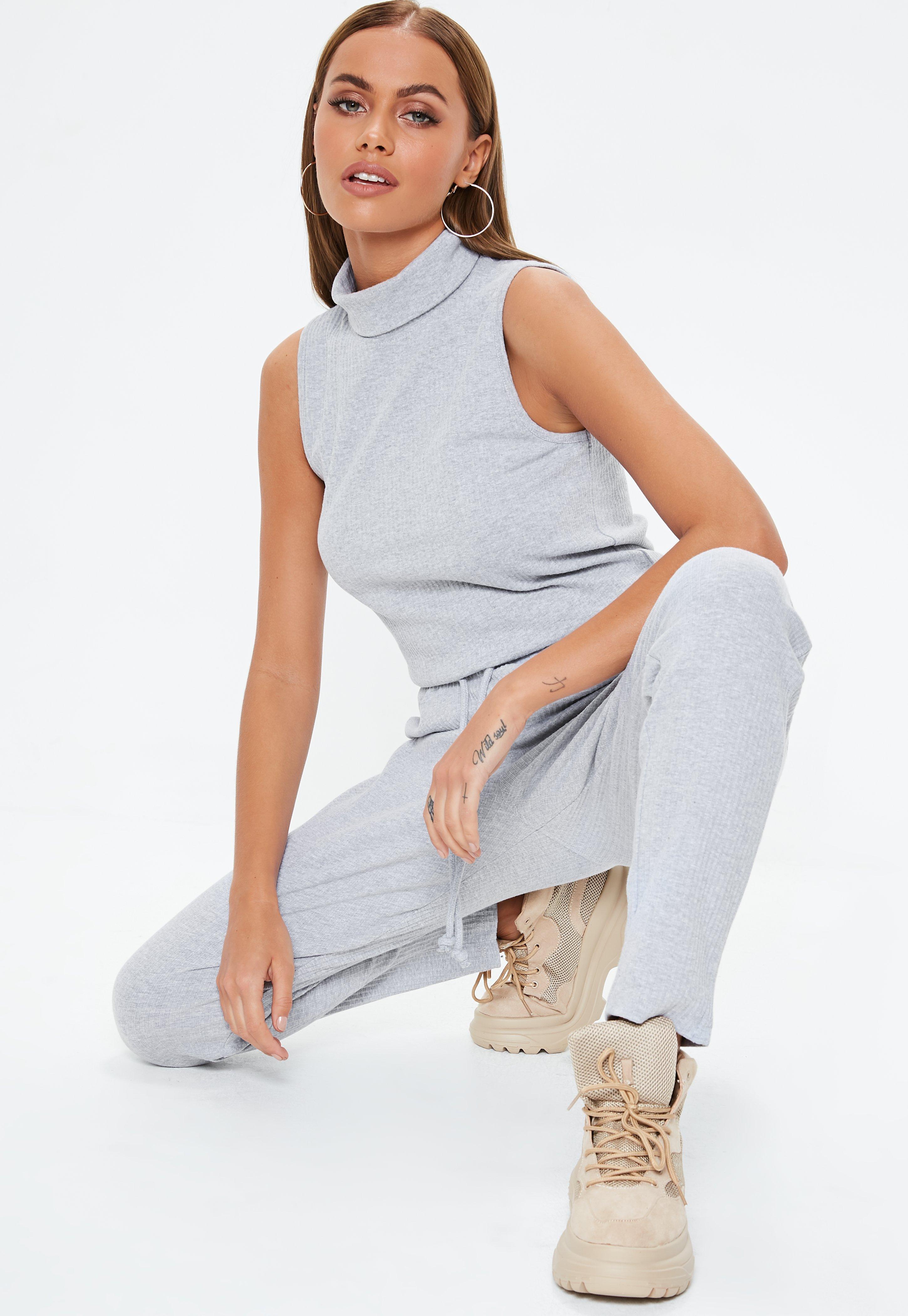 Women's Clothing Parfait état Easy And Simple To Handle Adroit Pantacourt Cache Cache 36