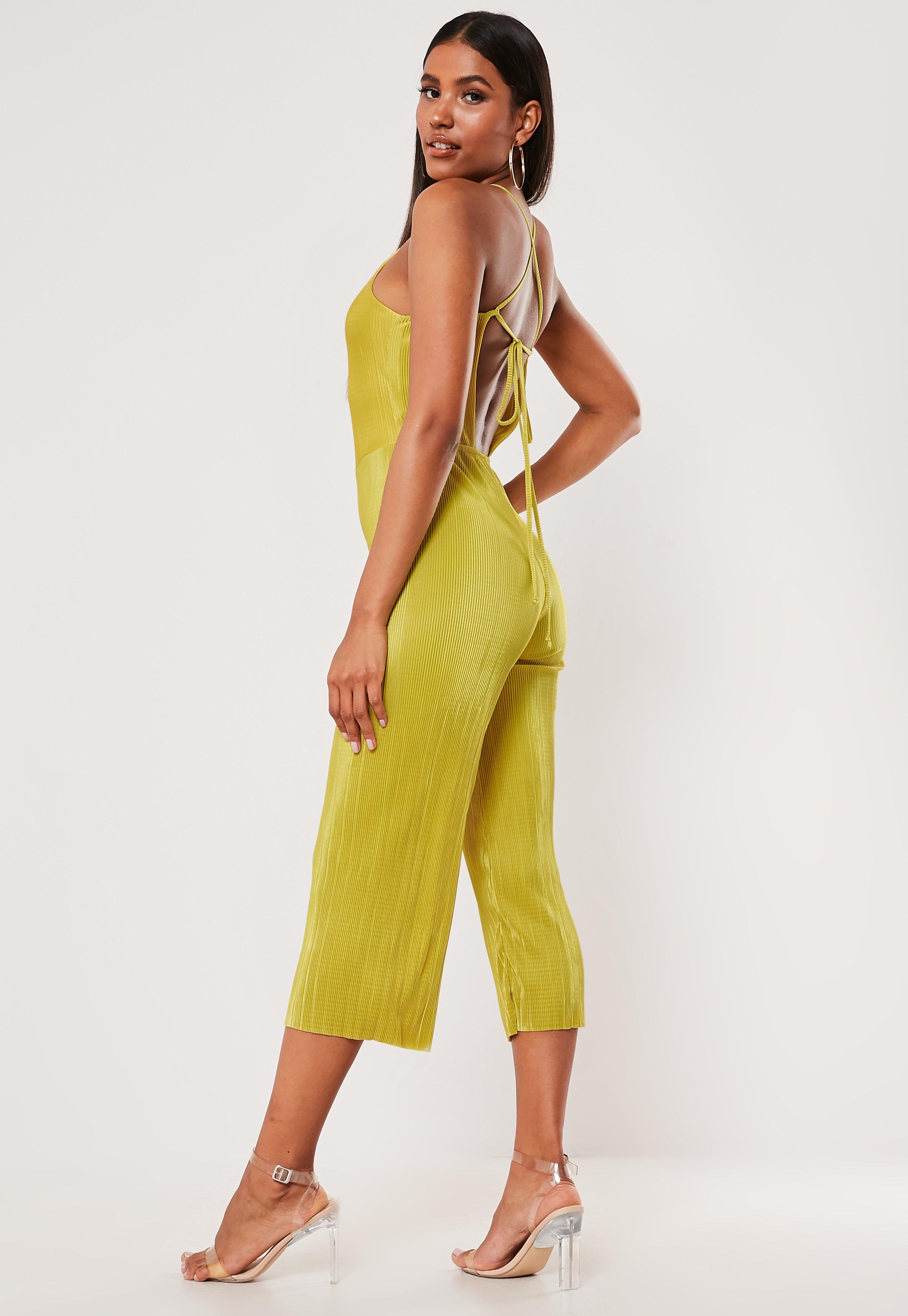 92ae10ab Mono largo culotte plisado de tirantes en amarillo mostaza