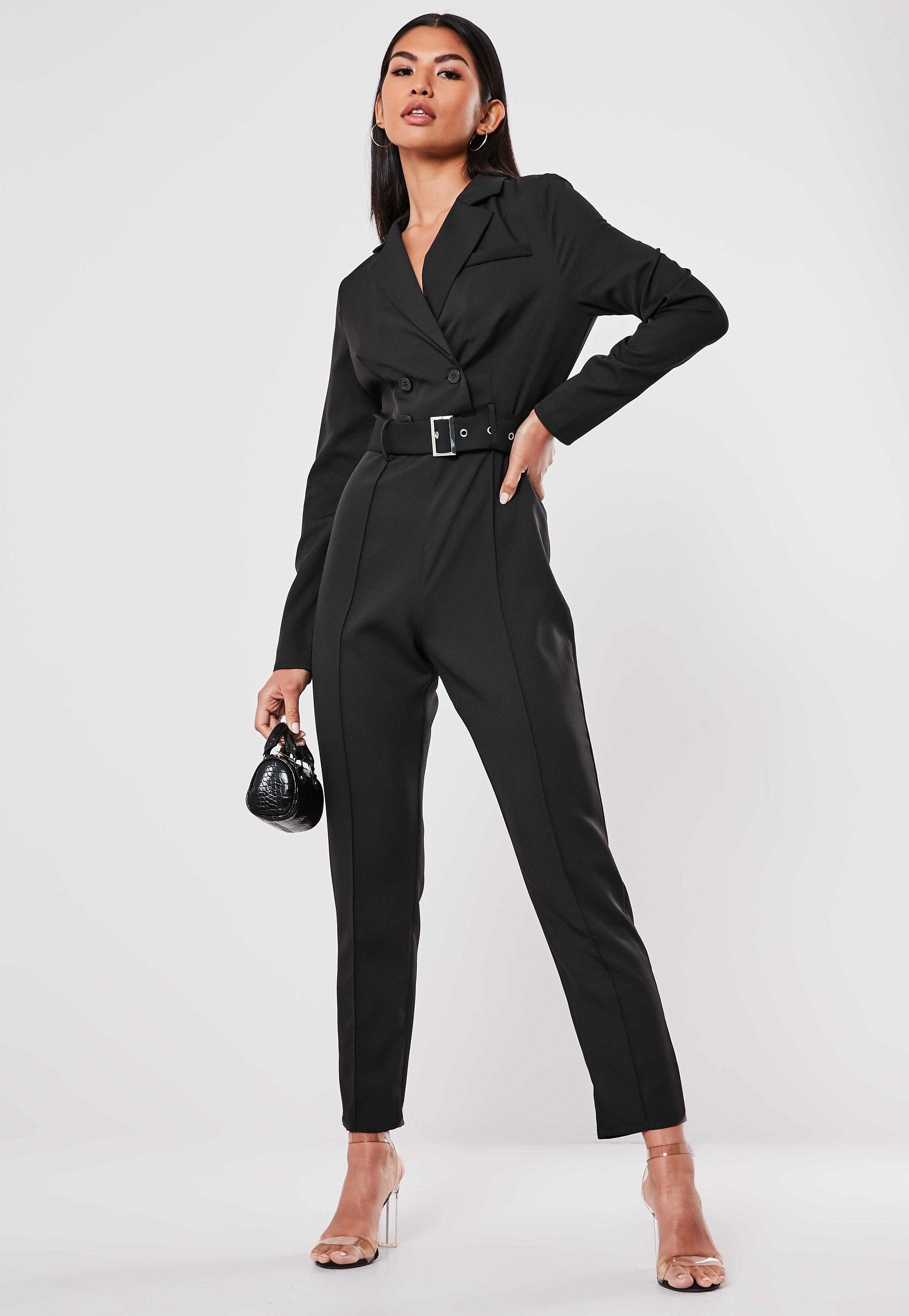 save off 28a27 5db25 Blazer-Jumpsuit mit Gürtel und geradem Bein in Schwarz