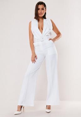 Белые штаны с широкими штанинами