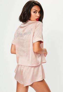 Kurz-Ärmel Pyjama Set mit Bridesmaid Stickerei und Paspelierungen in rosanem Nude
